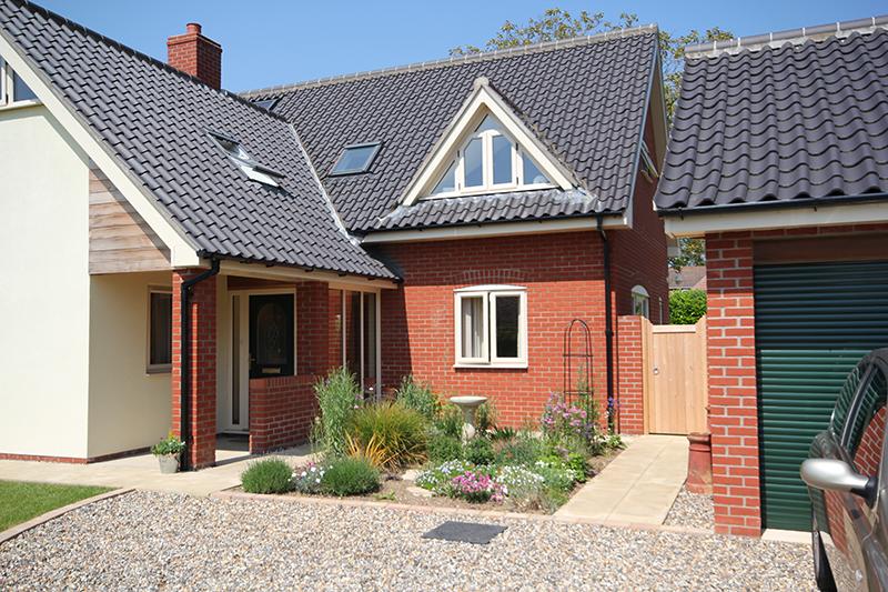 Front Garden Ideas: Enjoy a Garden and a Driveway