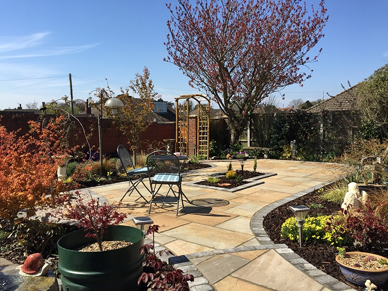 Attractive Garden Patio Designs To Inspire You For The Summer